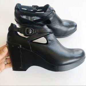 Dansko Franka Black Leather Wedge Booties 39
